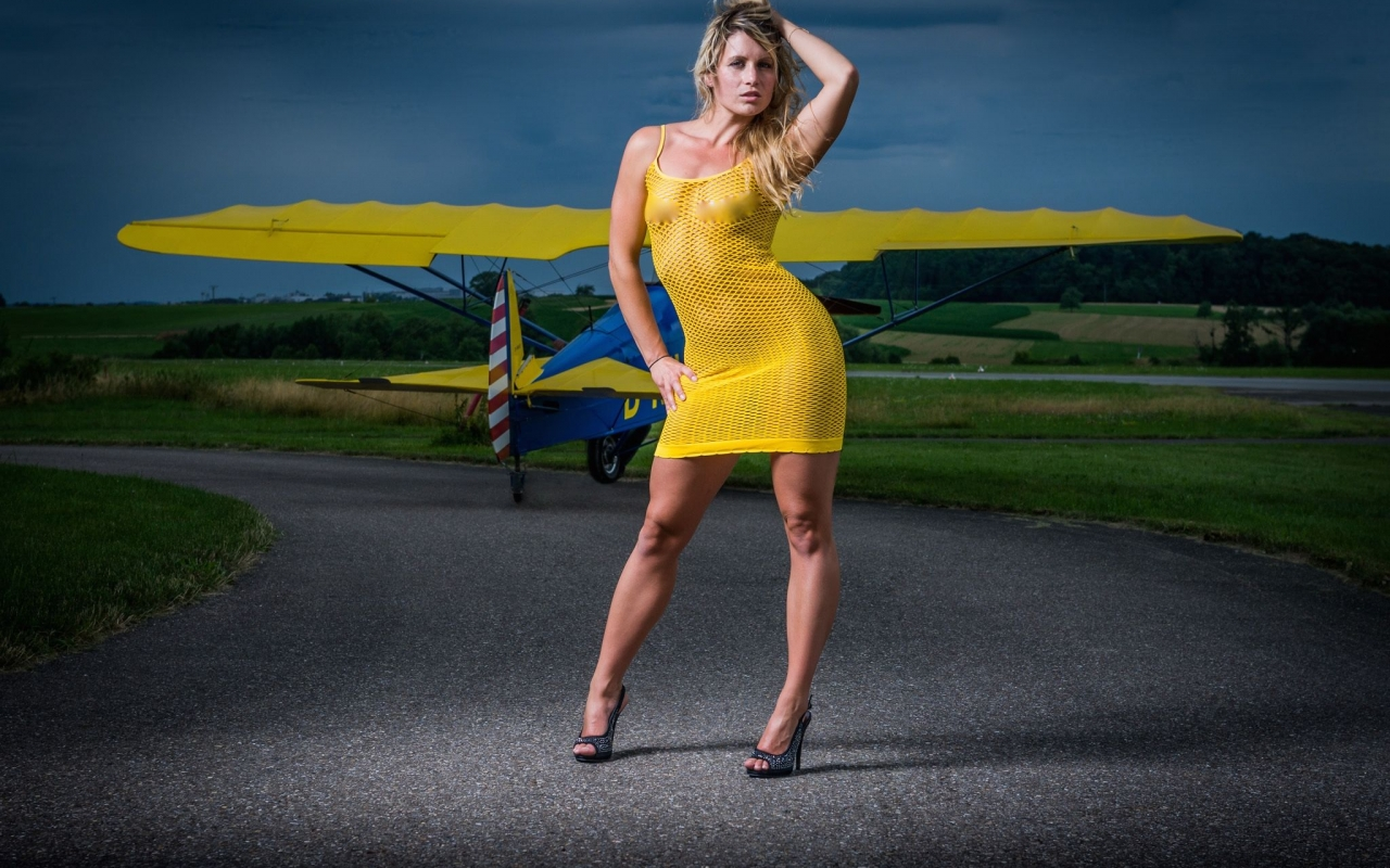 Mujeres y avionetas - 1280x800