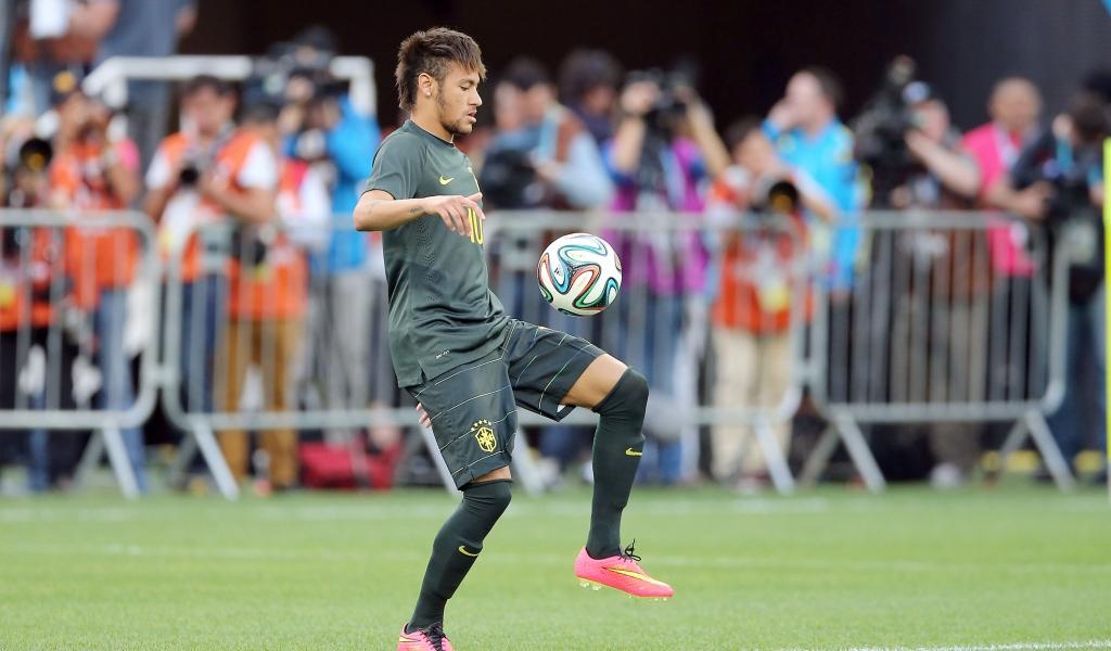 Neymar y el Brazuca - 1024x600