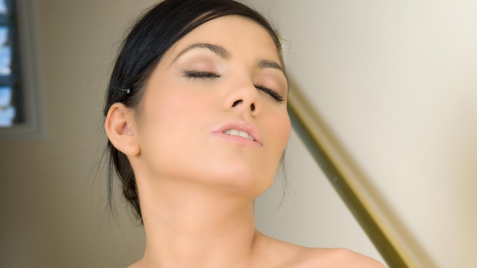 Rostros hermosos de mujeres - 1600x900