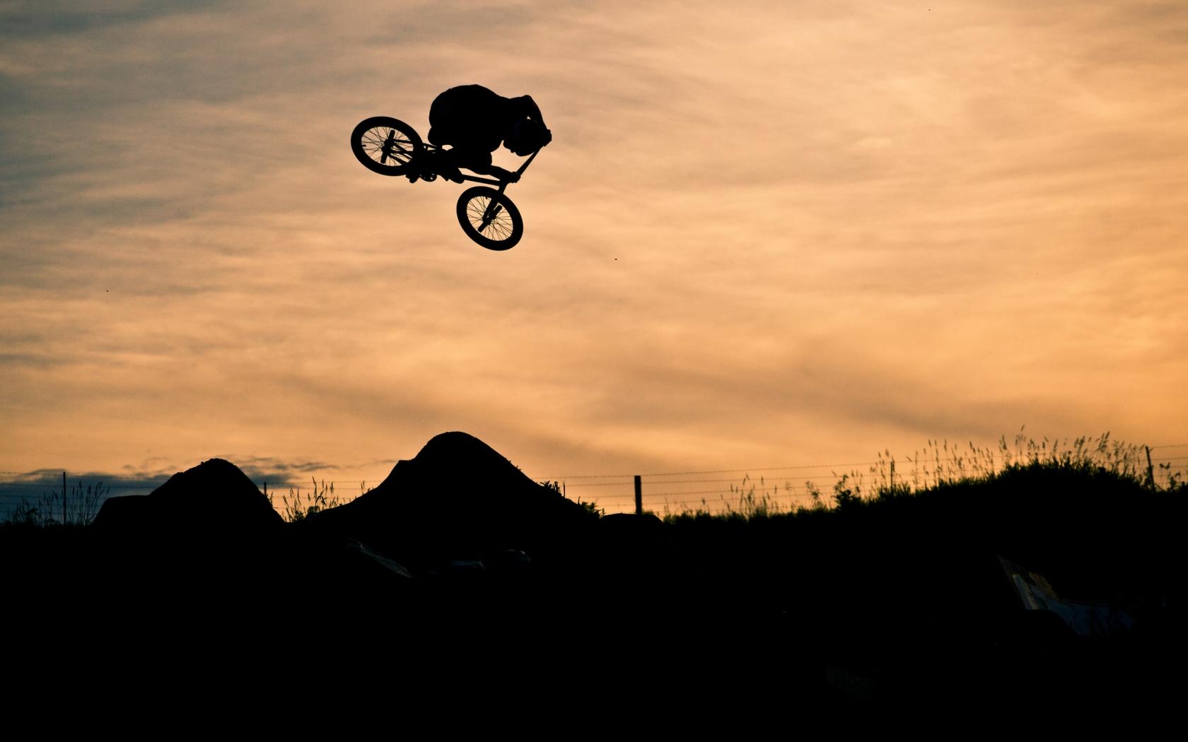 Saltos en BMX - 1680x1050