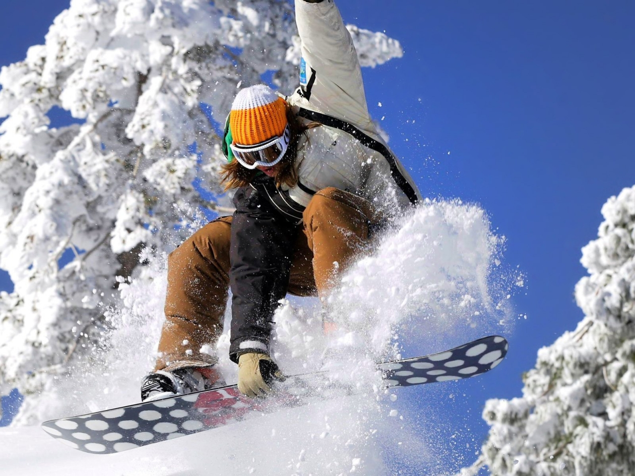 Snowboarding - 1280x960