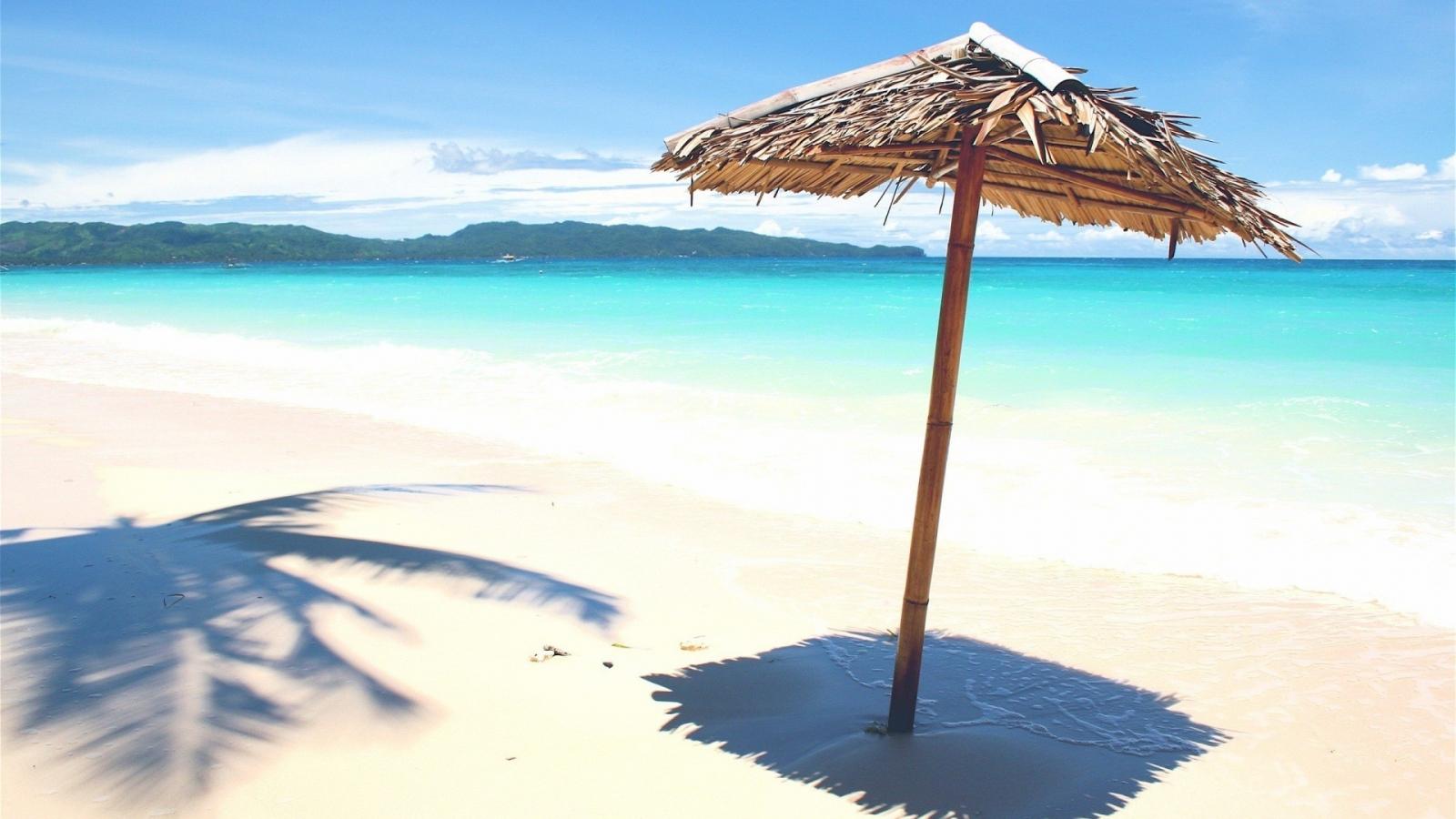 Sombrillas rusticas para playas - 1600x900