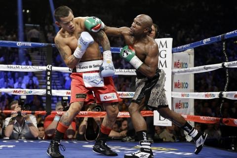 Floyd Mayweather peleando - 480x320