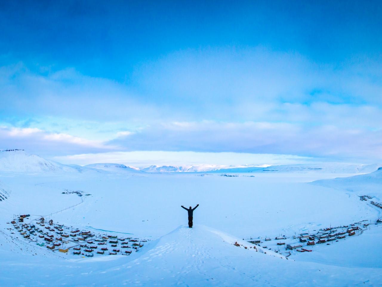 Hombre en la nieve - 1280x960