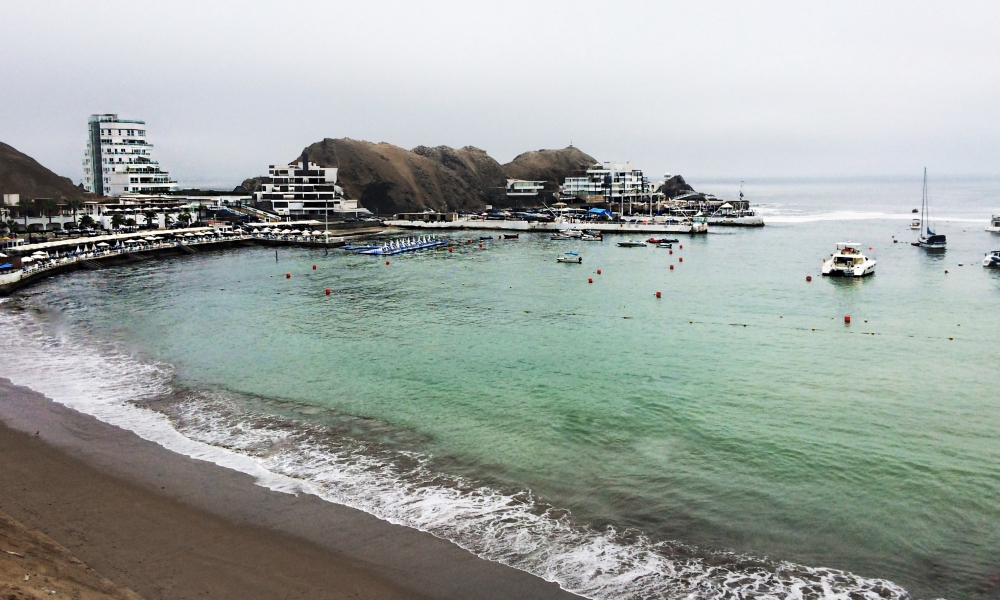 Playa Los Embajadores - Lima Sur - 1000x600
