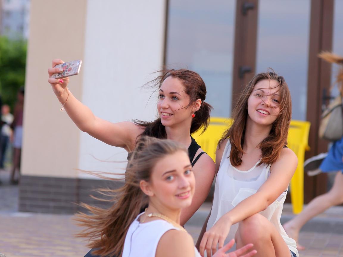 Selfie de chicas bellas - 1152x864