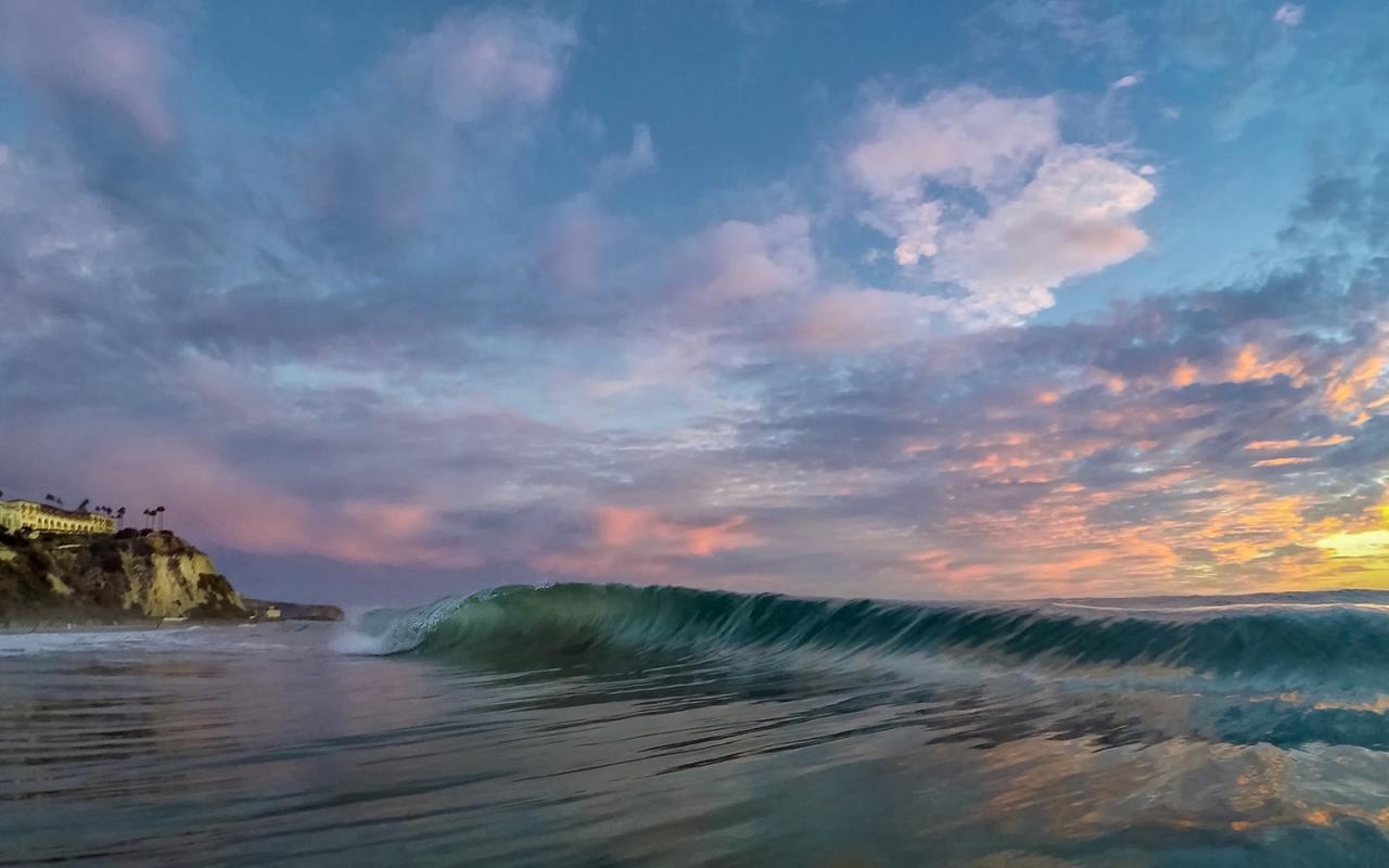Las olas al atardecer - 1280x800