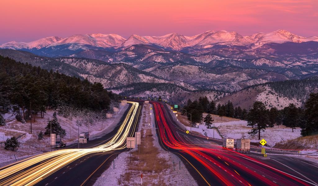 Una bella fotografía en una carretera - 1024x600