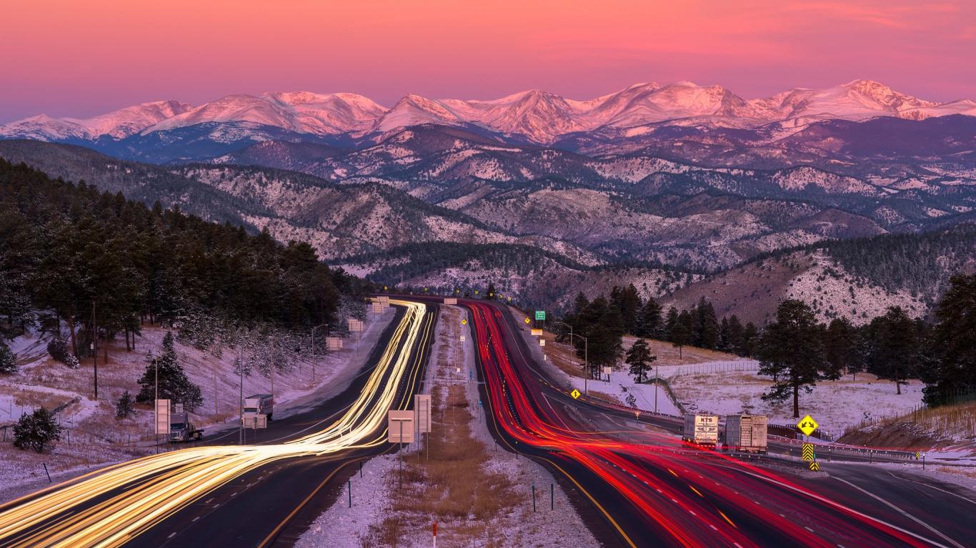 Una bella fotografía en una carretera - 1366x768