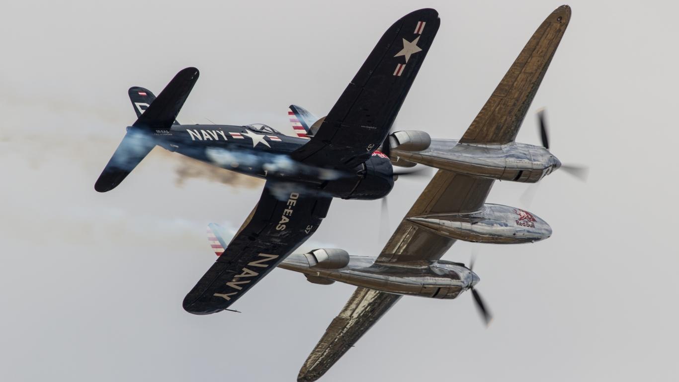 Avionetas de Guerra - 1366x768