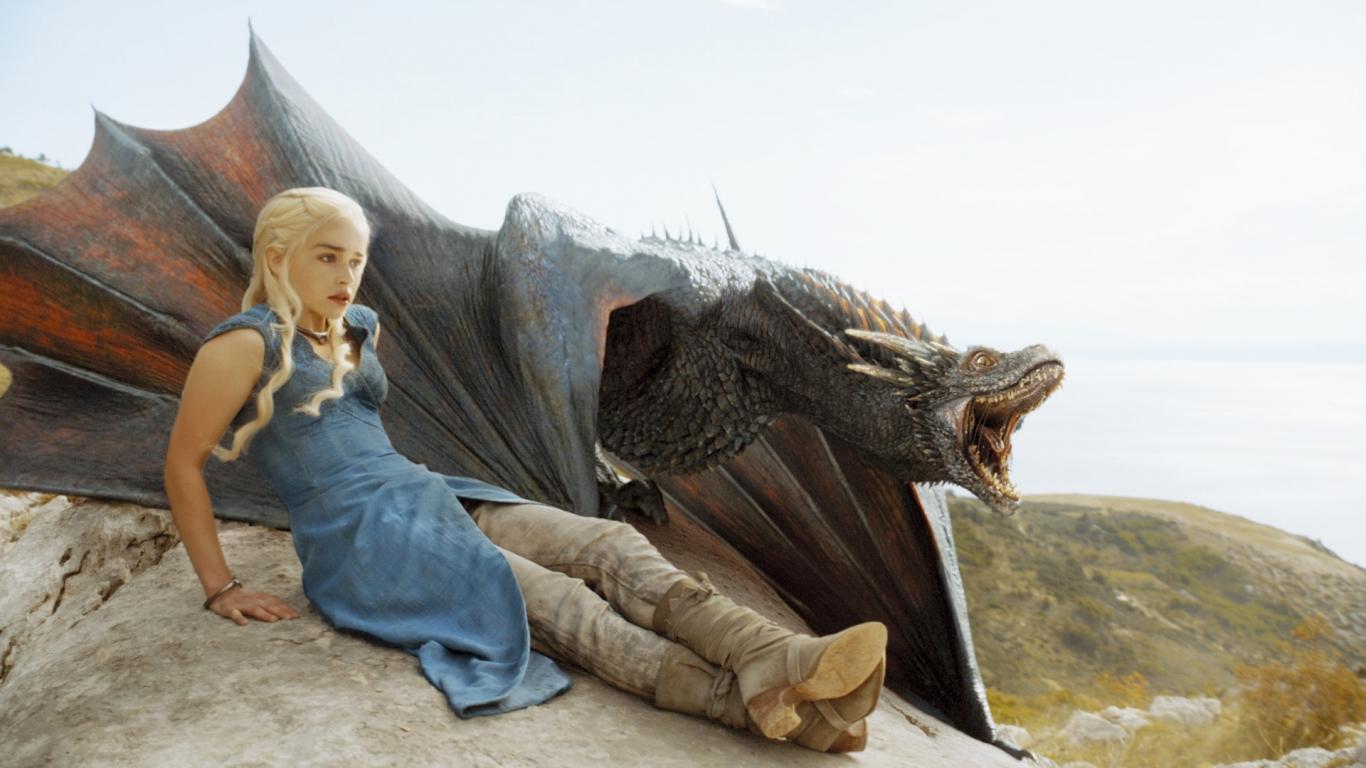 Daenerys, la madre de los dragones - 1366x768