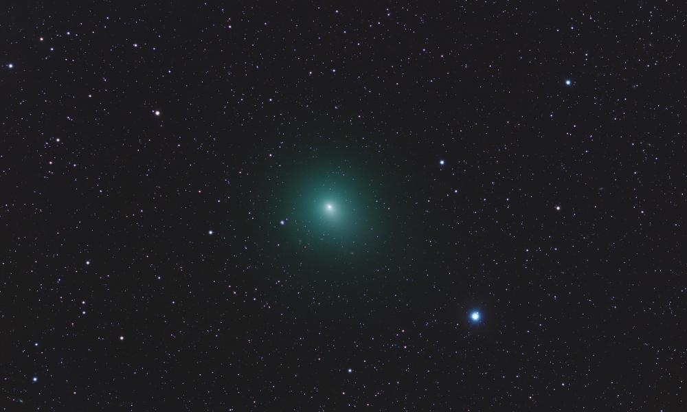 Astros en el espacio - 1000x600