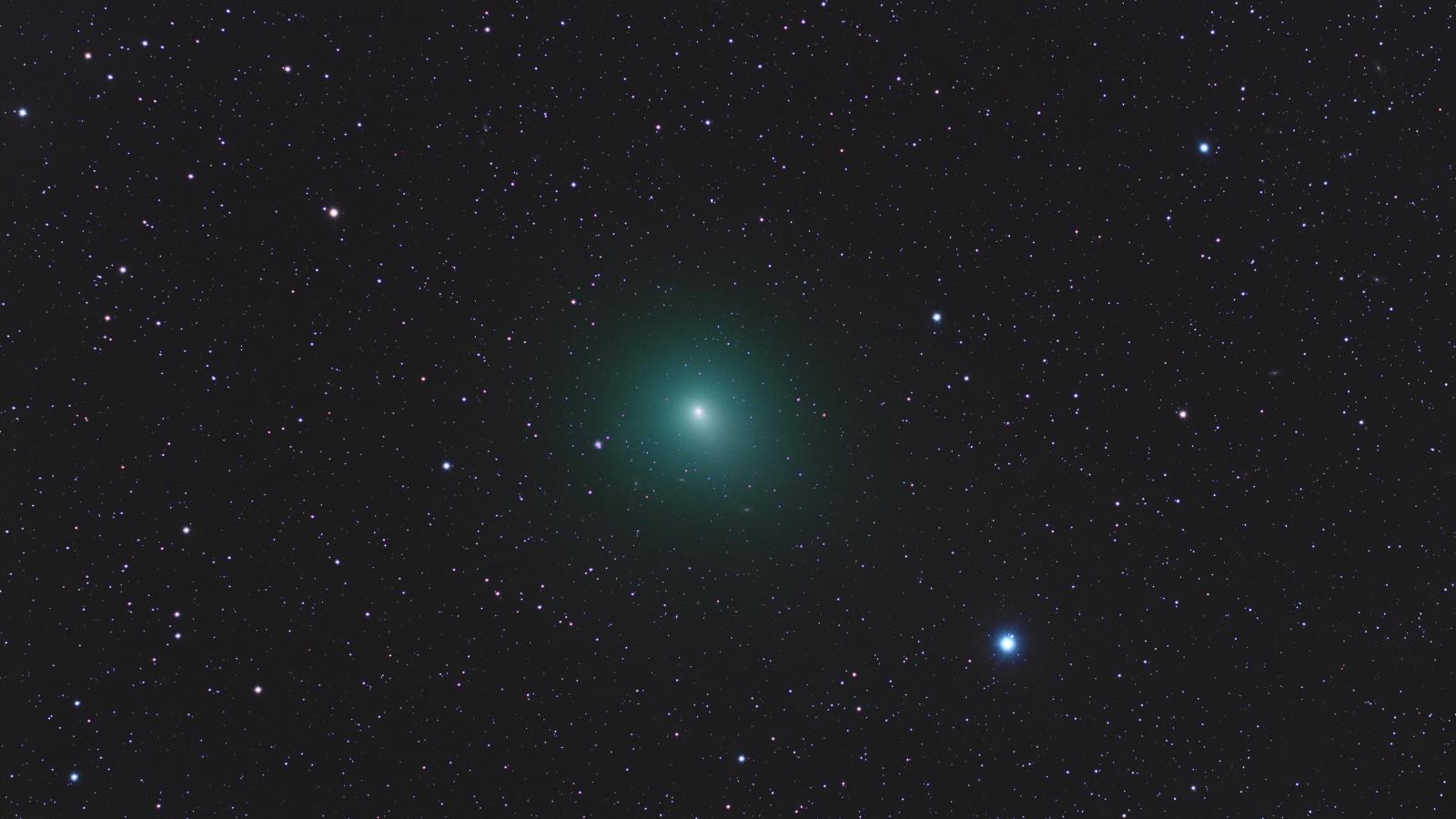 Astros en el espacio - 1600x900