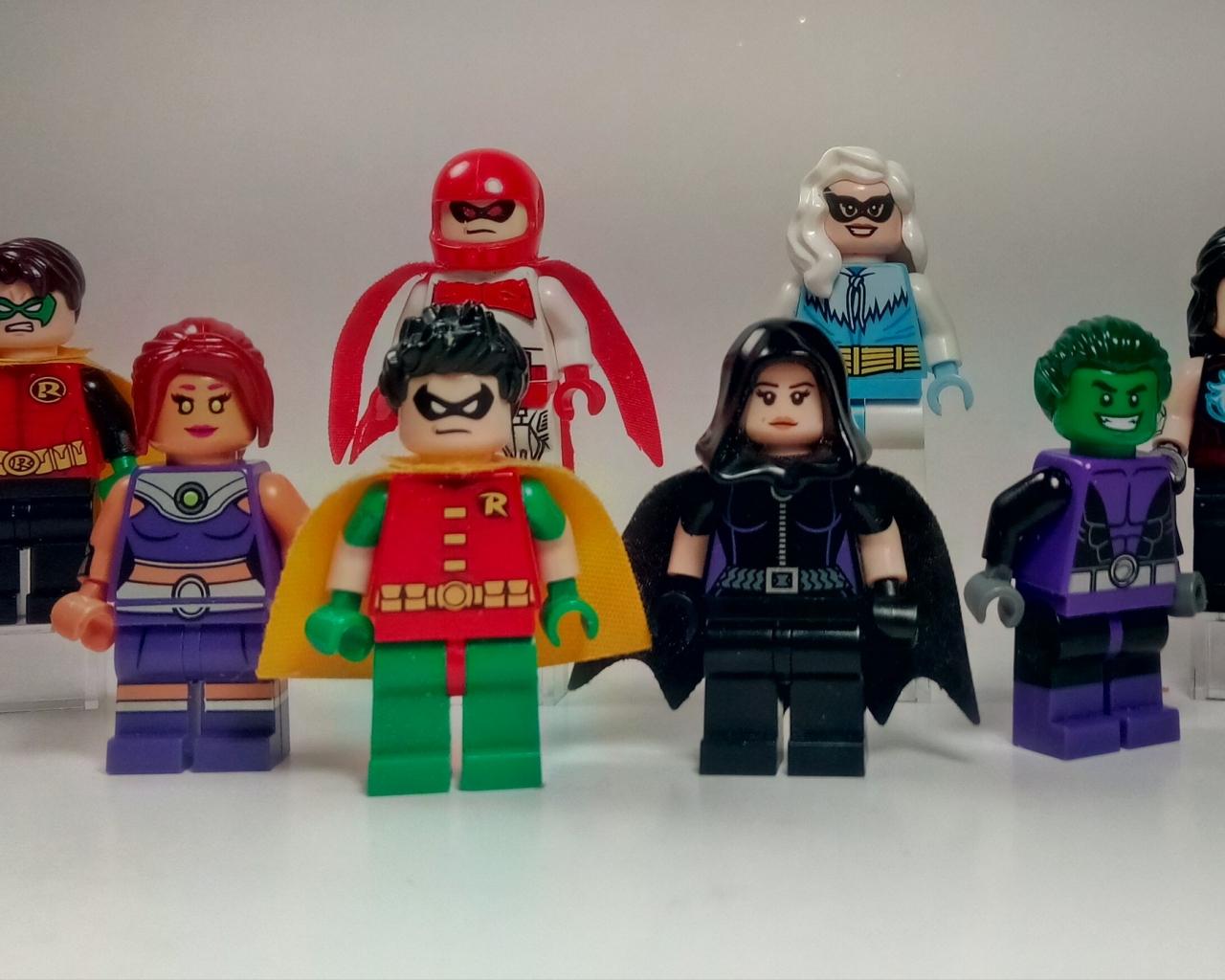 Muñecos de lego de super héroes - 1280x1024