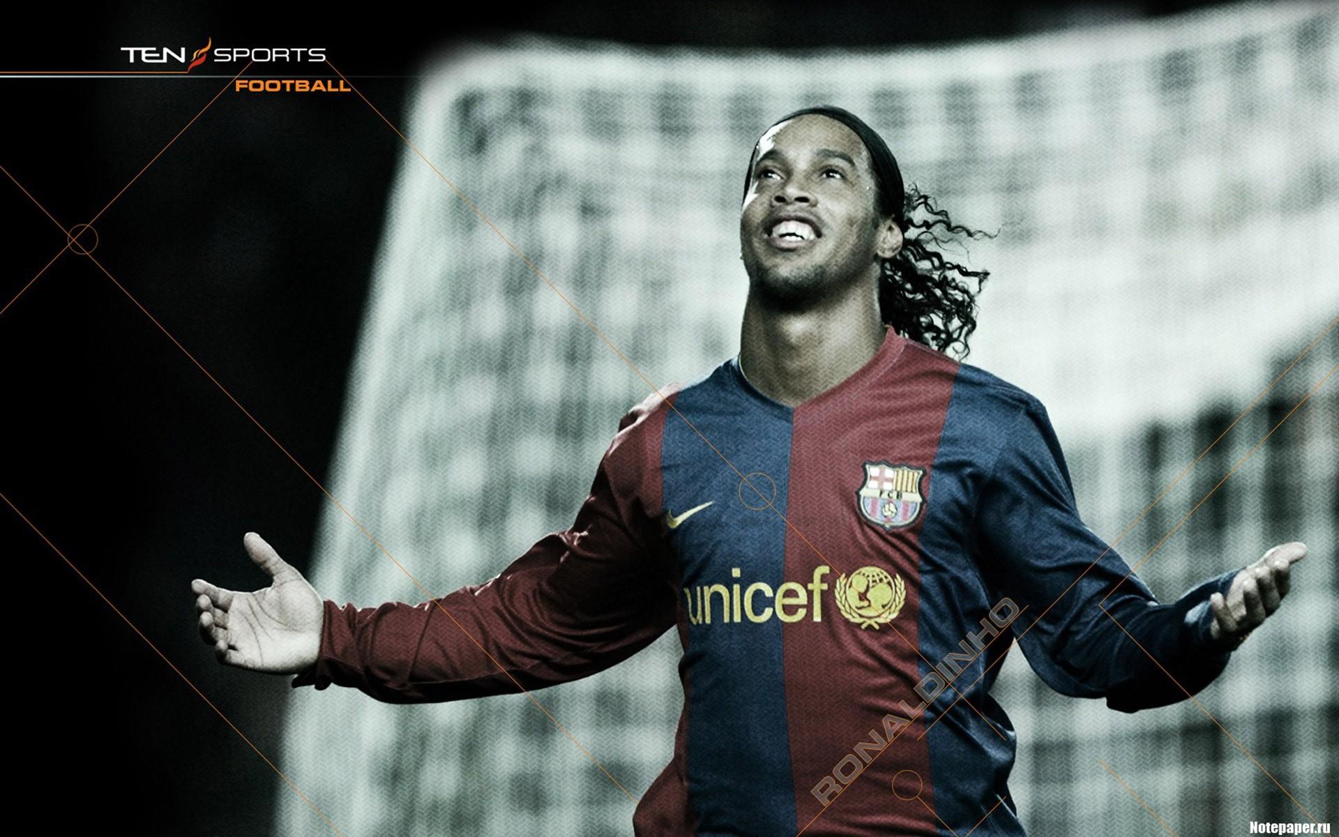 Ronaldinho - 1920x1200
