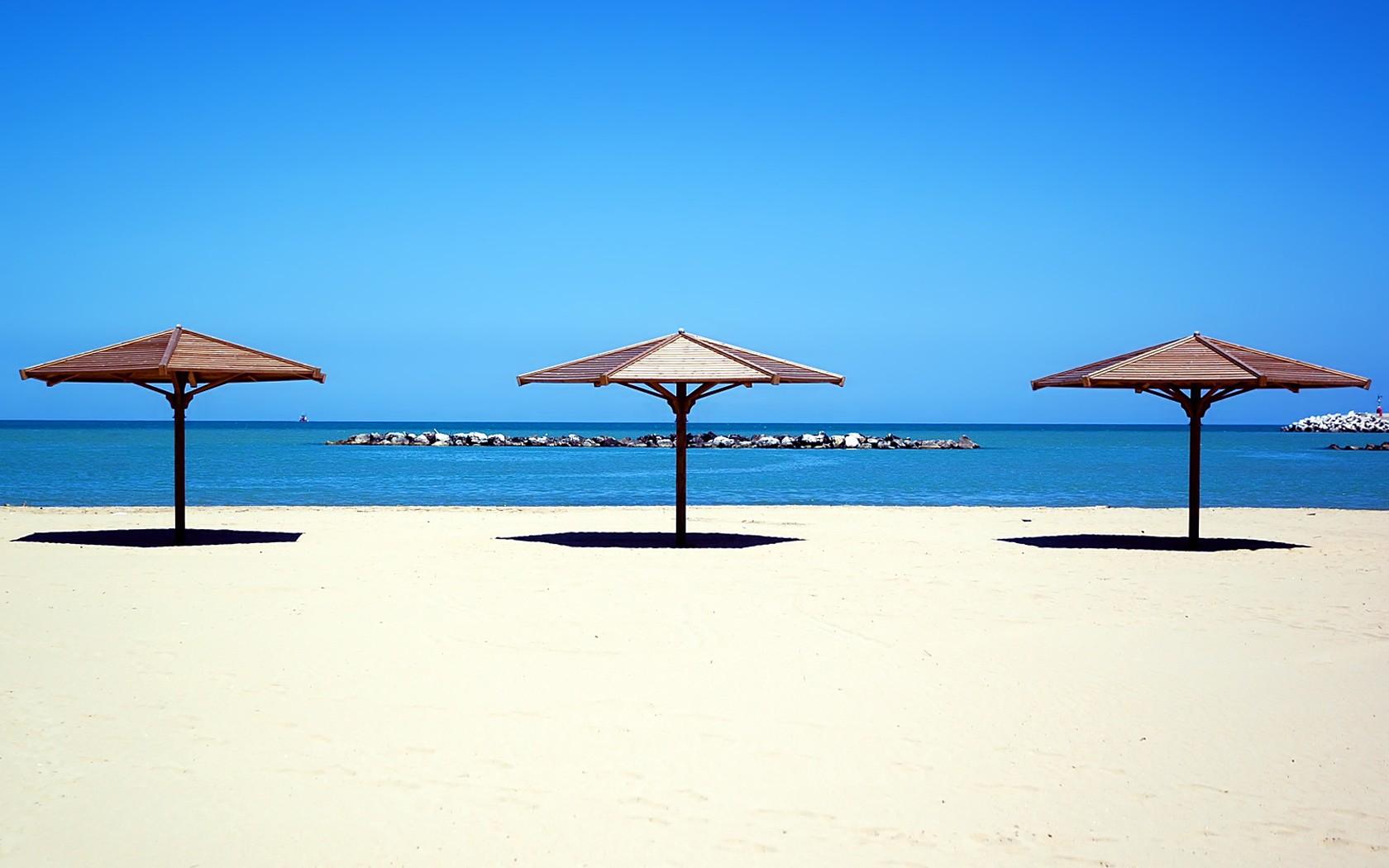Sombrillas de playa - 1680x1050