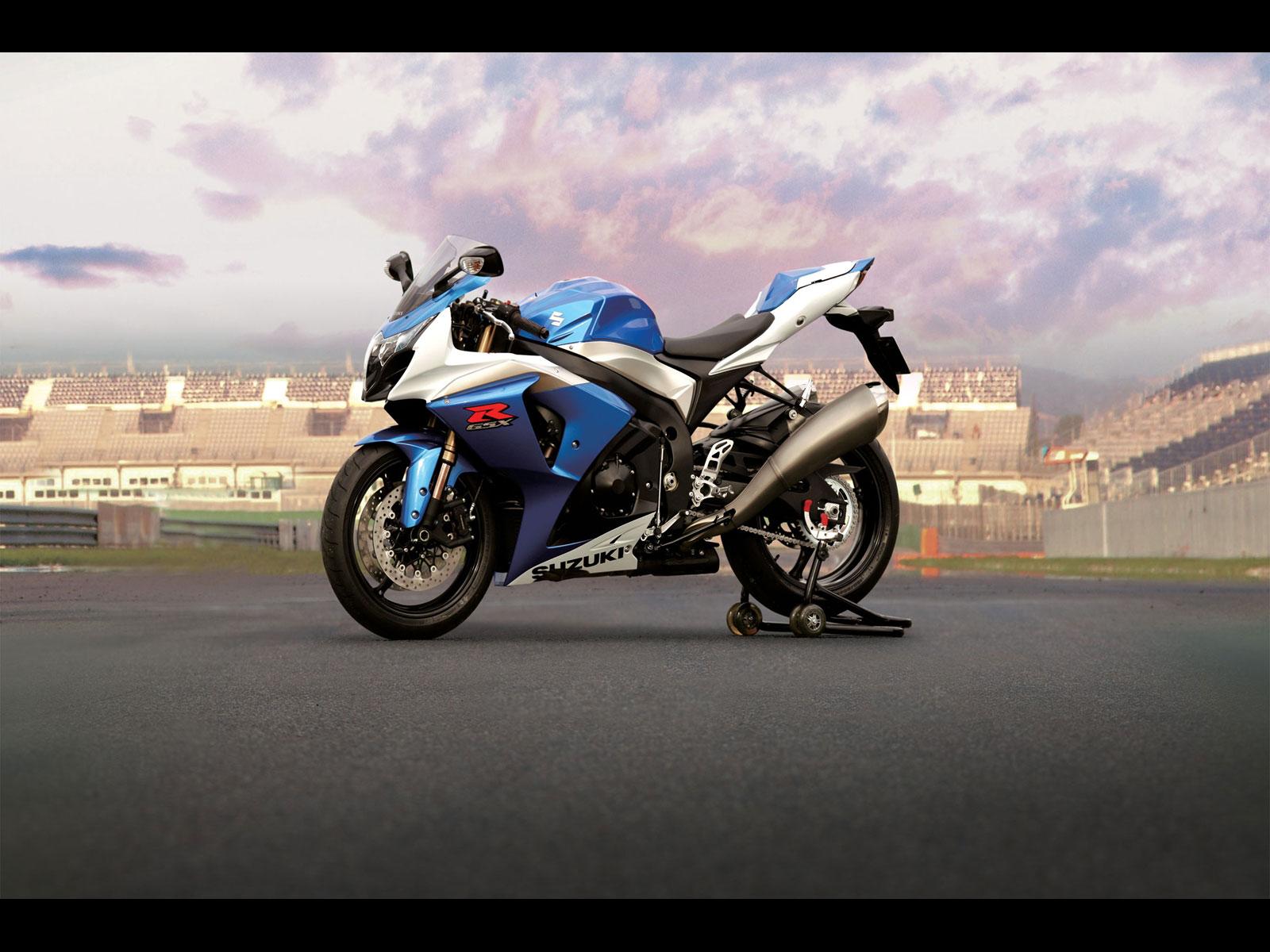 Suzuki GSX R1000 - 1600x1200