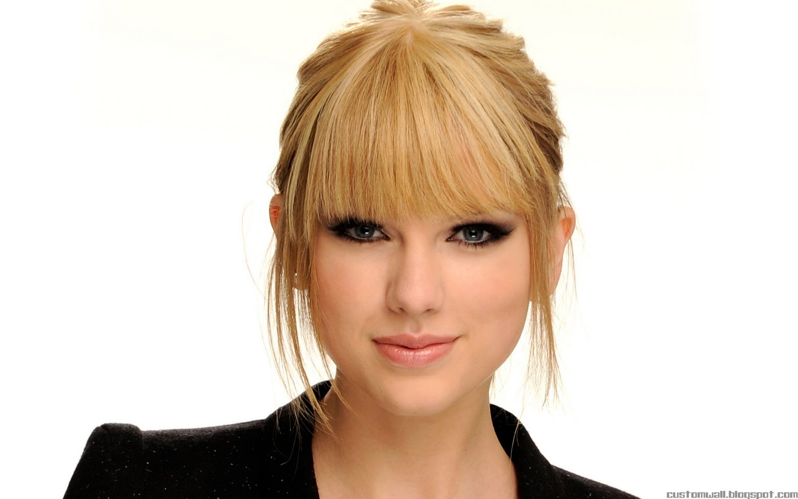 Taylor Swift y su maquillaje - 1600x1000
