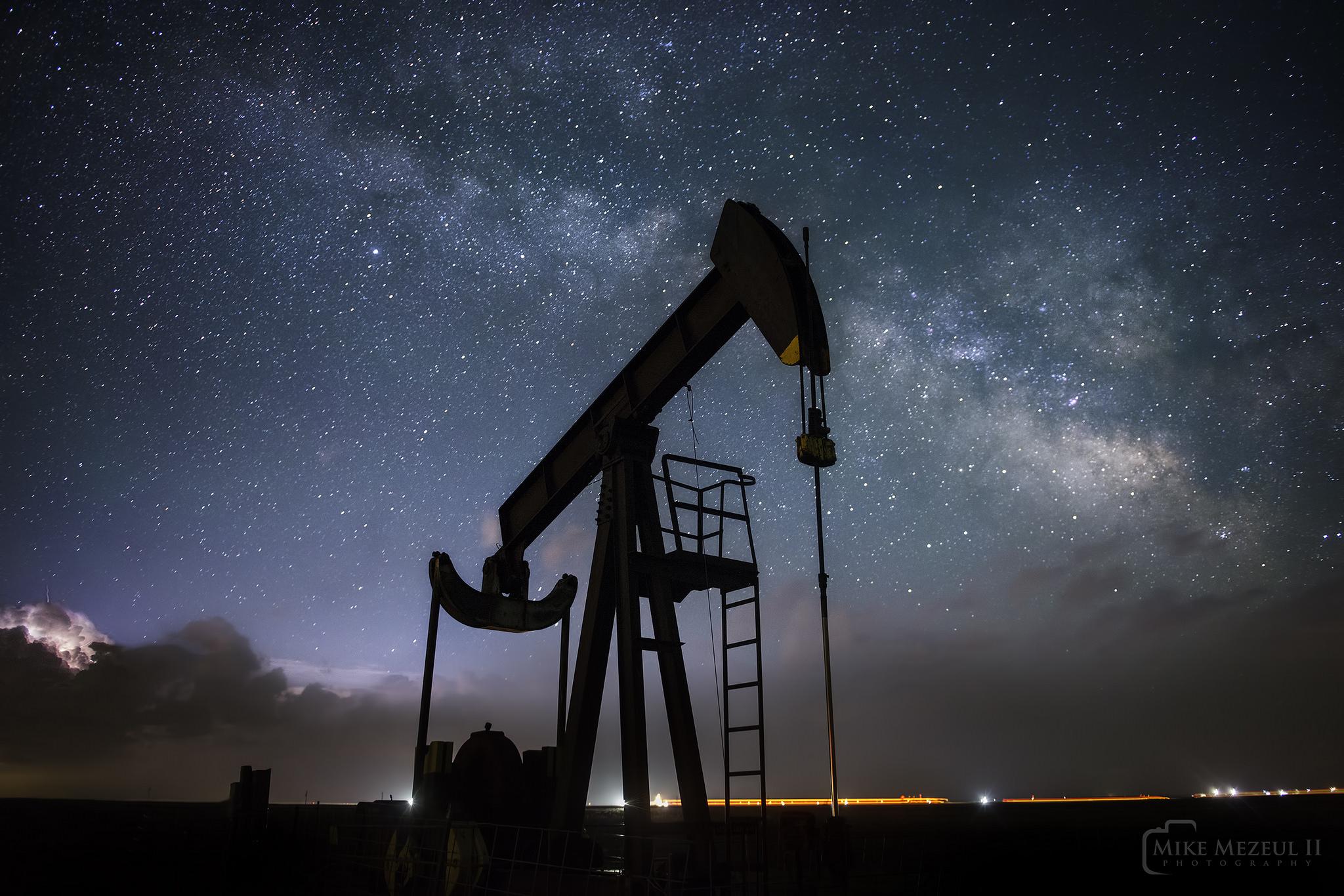 Un caballito petrolero - 2048x1366