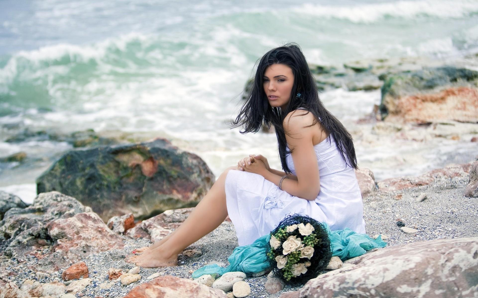 Una novia en la playa - 1920x1200