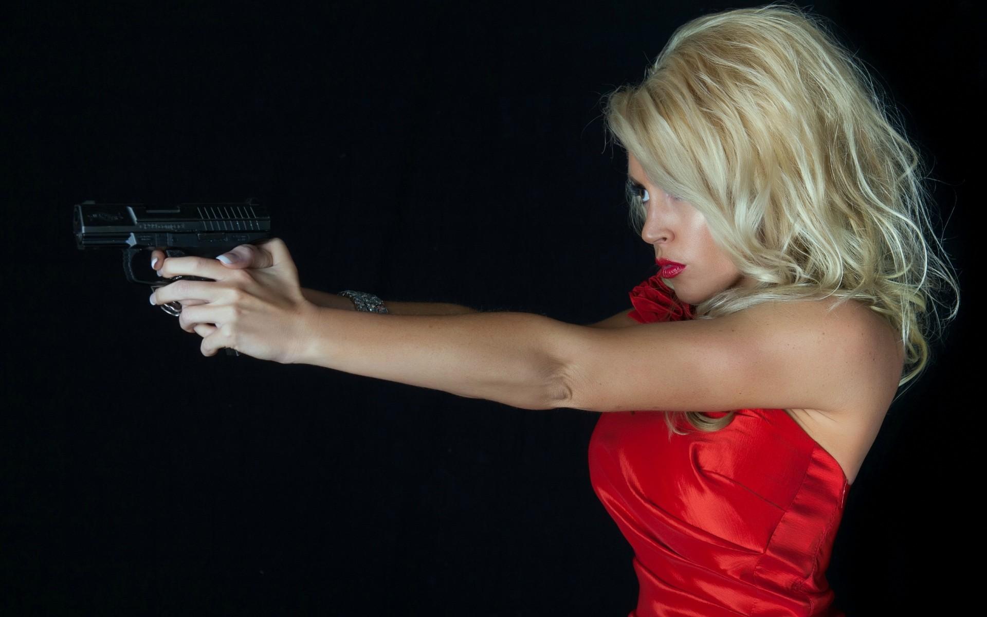 Una rubia y pistola - 1920x1200