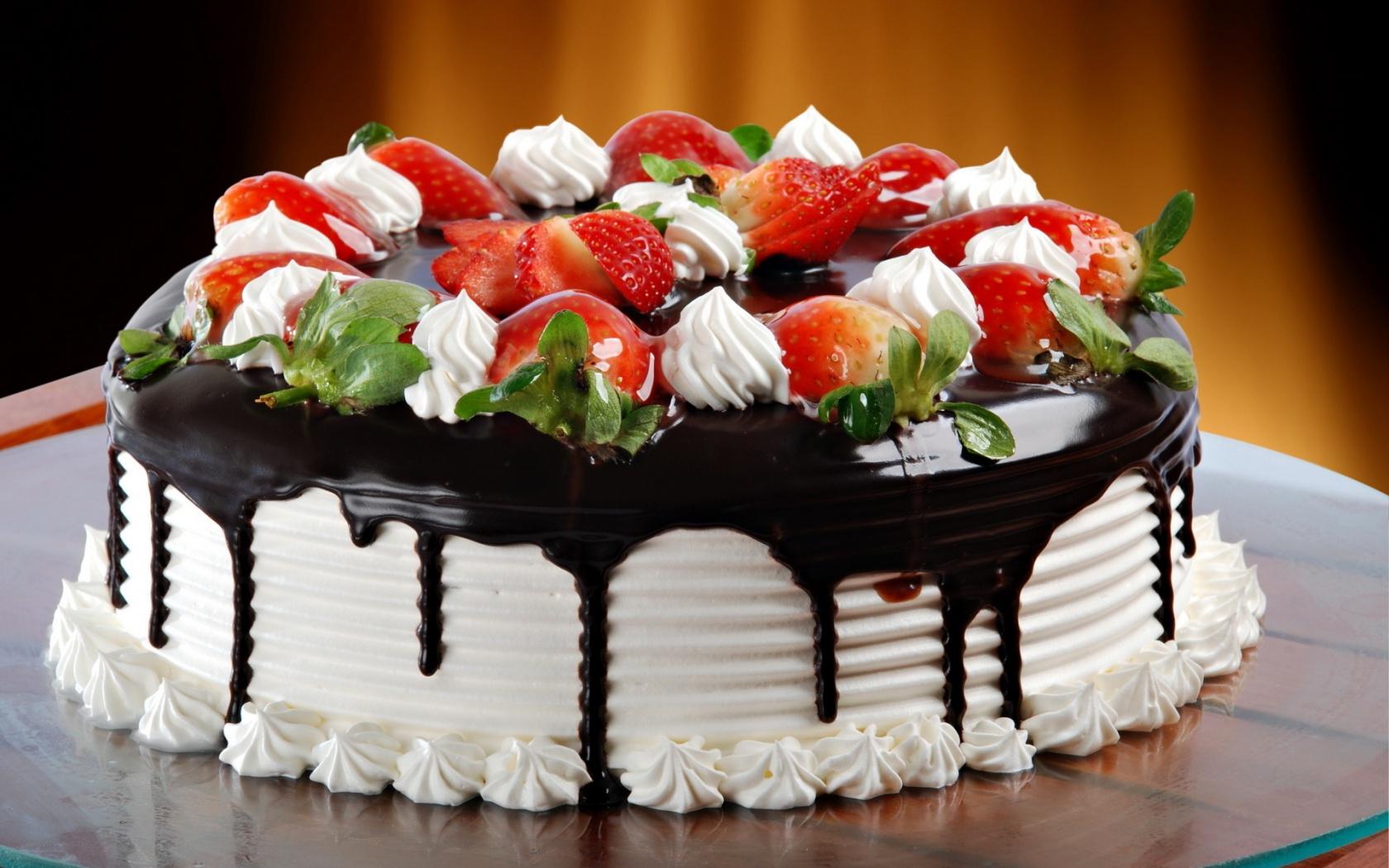 Una torta de fresas - 1680x1050