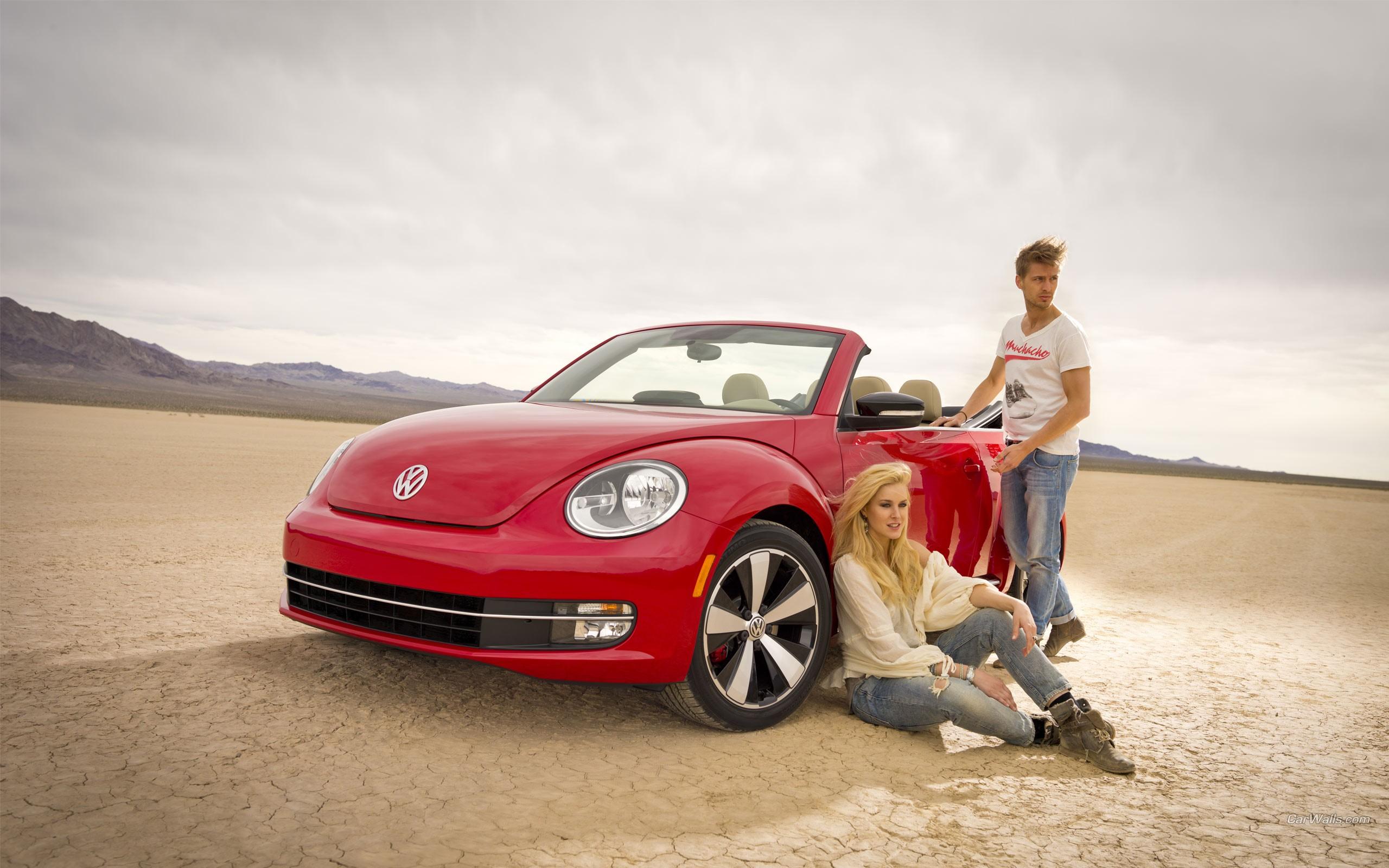 VW Beetle Rojo - 2560x1600
