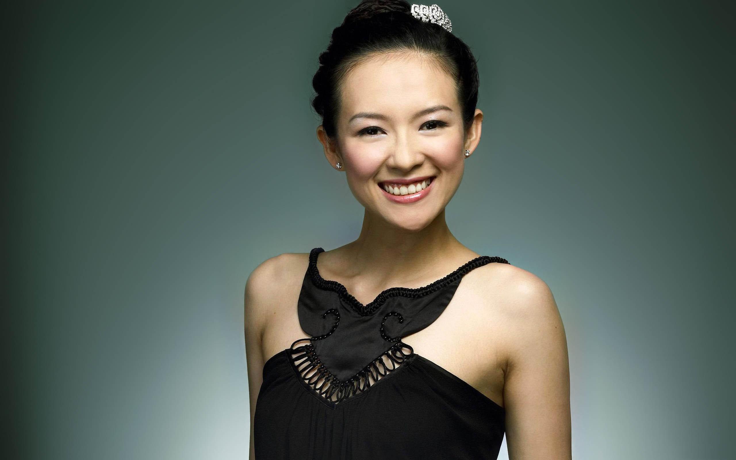 Ziyi Zhang con vestido de gala - 2560x1600